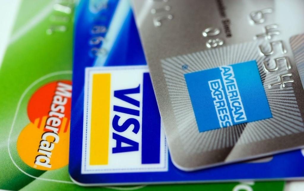 รวมเงื่อนไขและโปรโมชั่นสินเชื่อ รีไฟแนนซ์บัตรเครดิต CIMB เคลียเรื่องหนี้ ให้เป็นเรื่องง่าย ใช้จ่ายสบายกับ CIMB