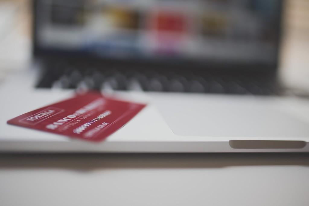 เลือกอะไรดี TMB หรือ KTC บัตรเครดิตฟรีค่าธรรมเนียมตลอดชีพ บัตรไหนดี ค่ายไหนโดน ถ้ามองหาอยู่ ห้ามพลาด!!