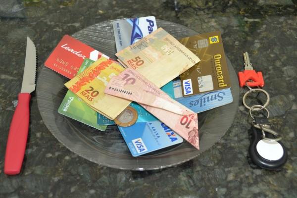 รวมคำถาม คำตอบ ควรรู้ที่เกี่ยวกับบัตรกดเงินสด-บัตรกดเงินสดยูเมะพลัส-imoney
