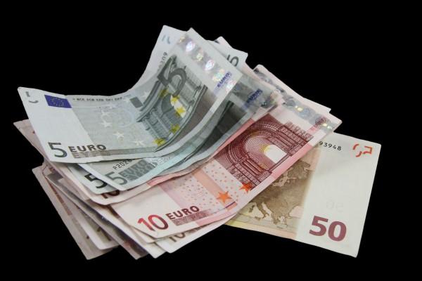 บัตรกดเงินสดยูเมะพลัส จาก EASY BUY-บัตรกดเงินสดเงินเดือน 10,000-imoney